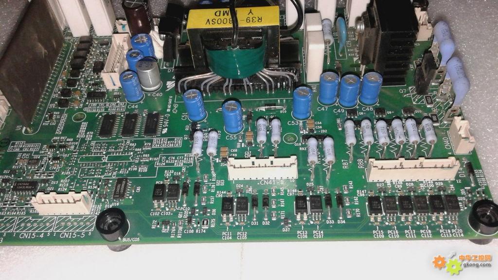 安川a1000变频器模块内制动管的驱动电路在那里?