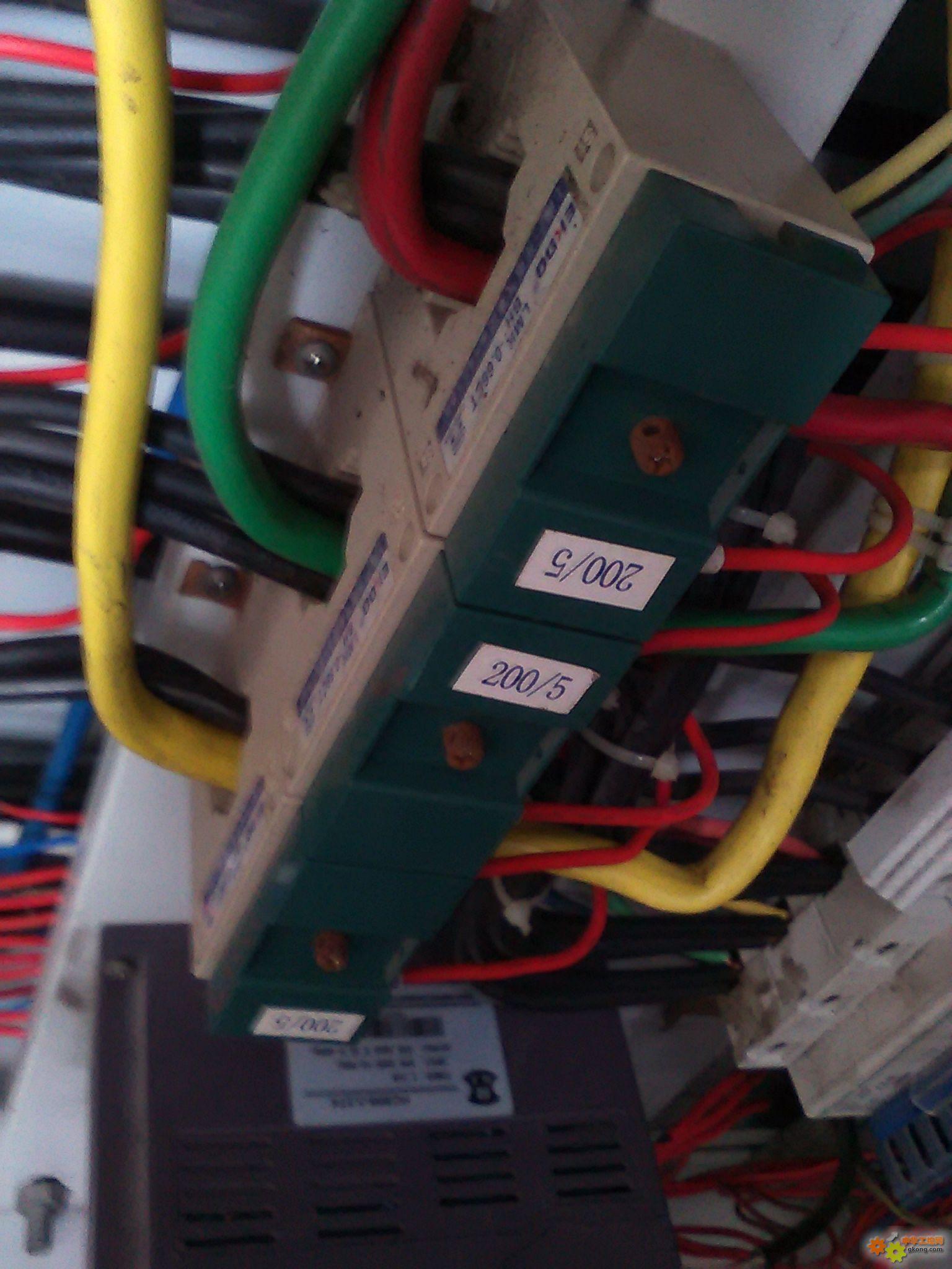 电流互感器穿线问题