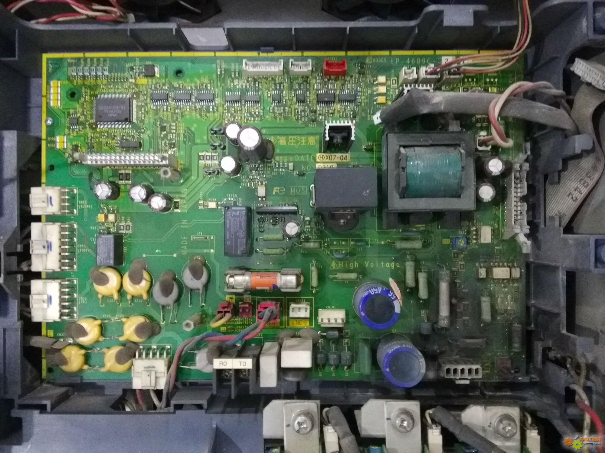 90kw富士变频器frn90f1s-4c主板电源部分严重烧毁维修