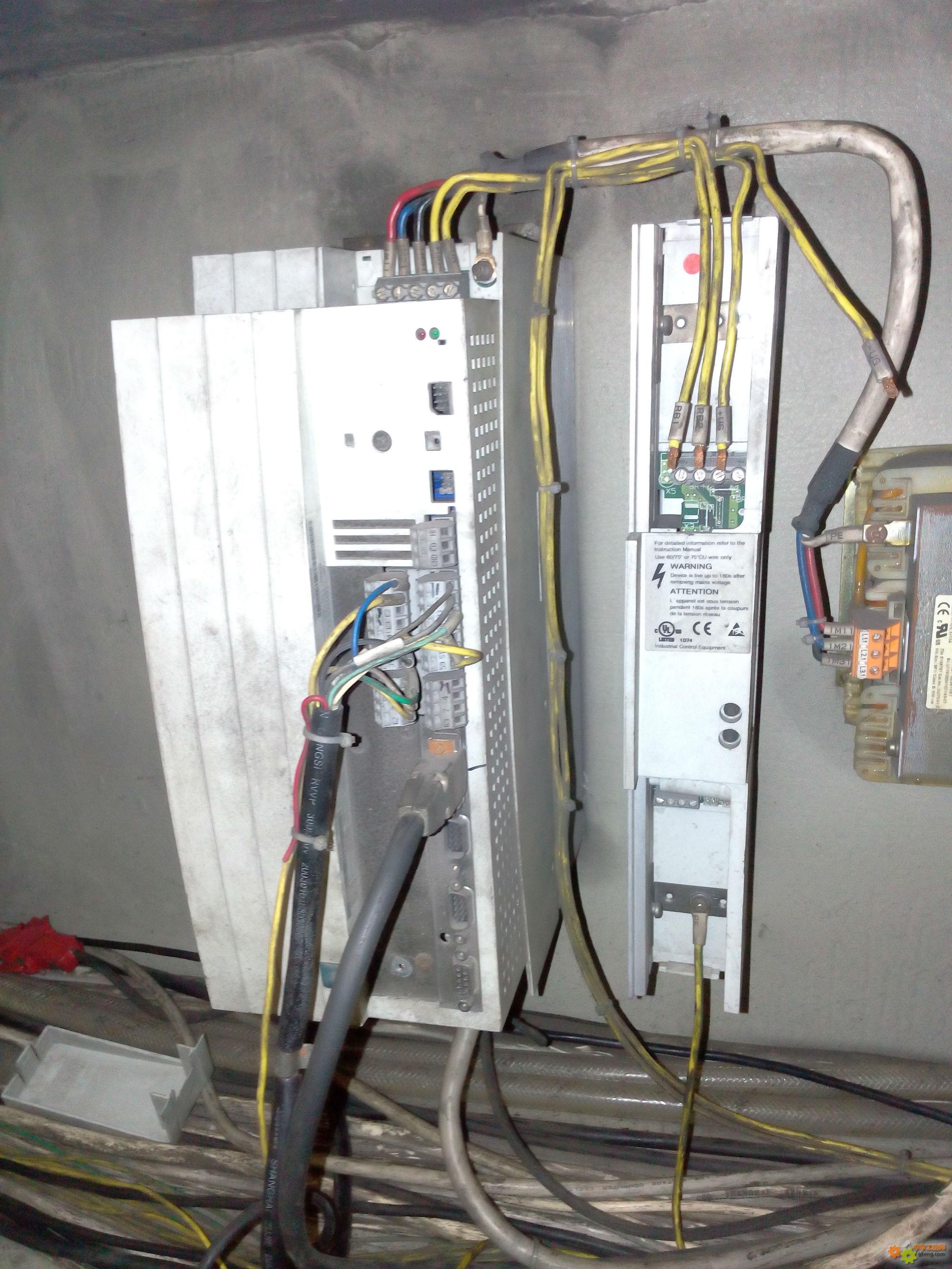 德国伦茨9300系列伺服变频器的一例特殊故障维修