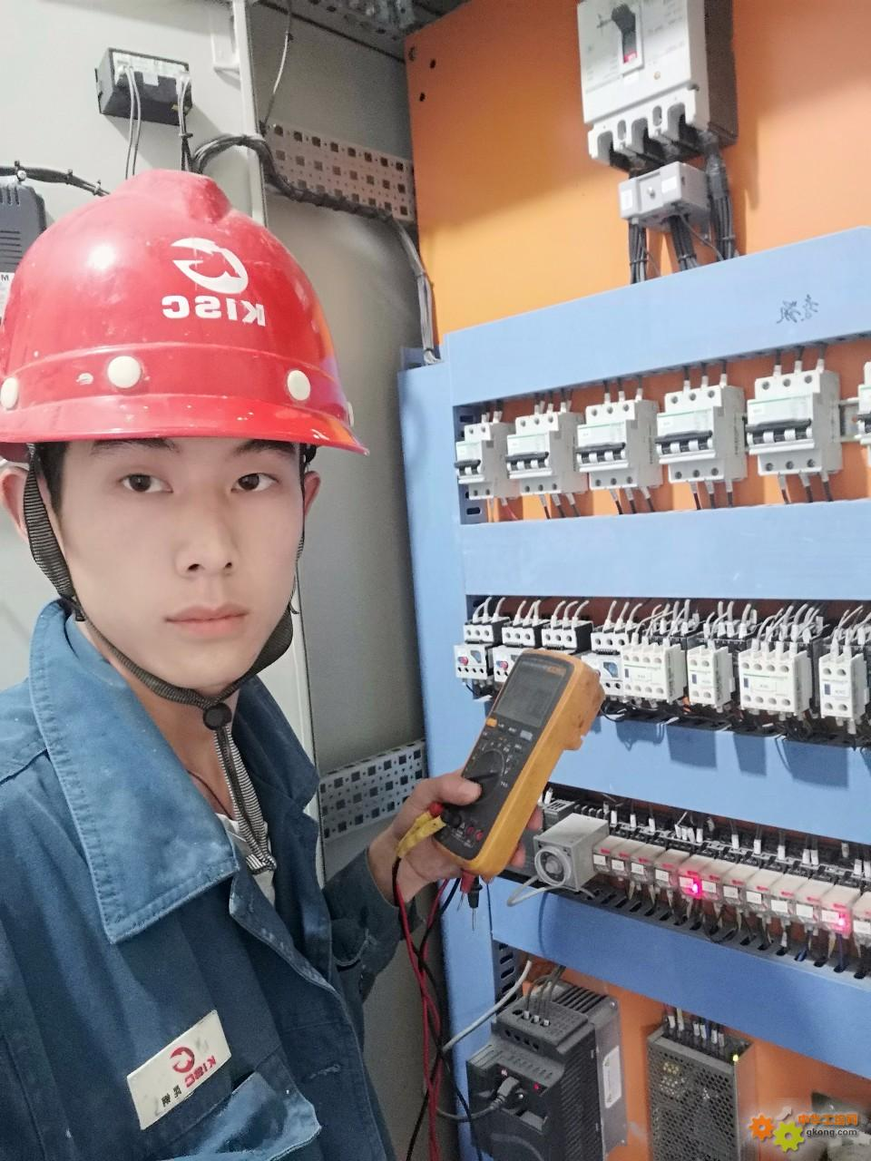 【福禄克POLO】19岁入职,福禄克五年的夕夕相伴,工作好帮手(�R?�Q)/