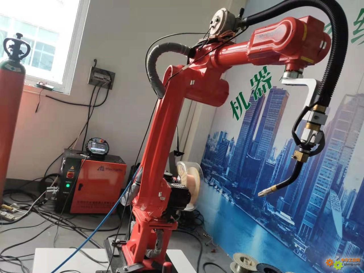 第一次近距离接触机器人