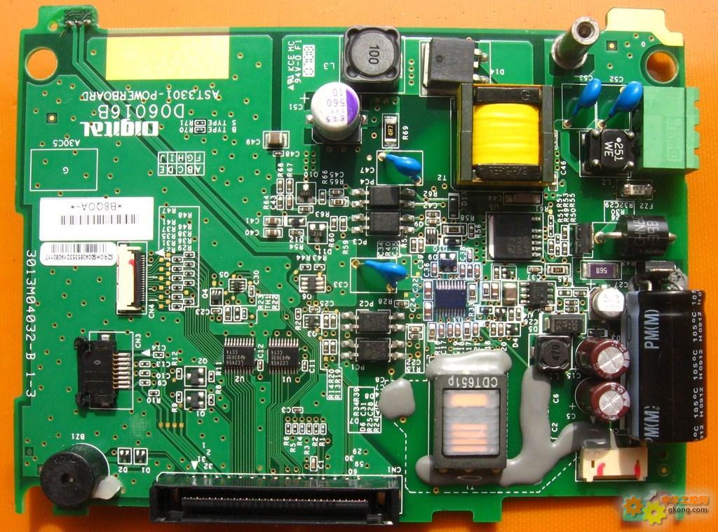 看下常用触摸屏电路板做工,忽略价格差距!