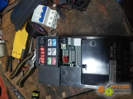 台达ms300通电显示deltr