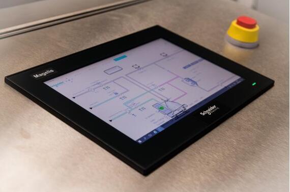 施耐德电气发布新版开放自动化平台