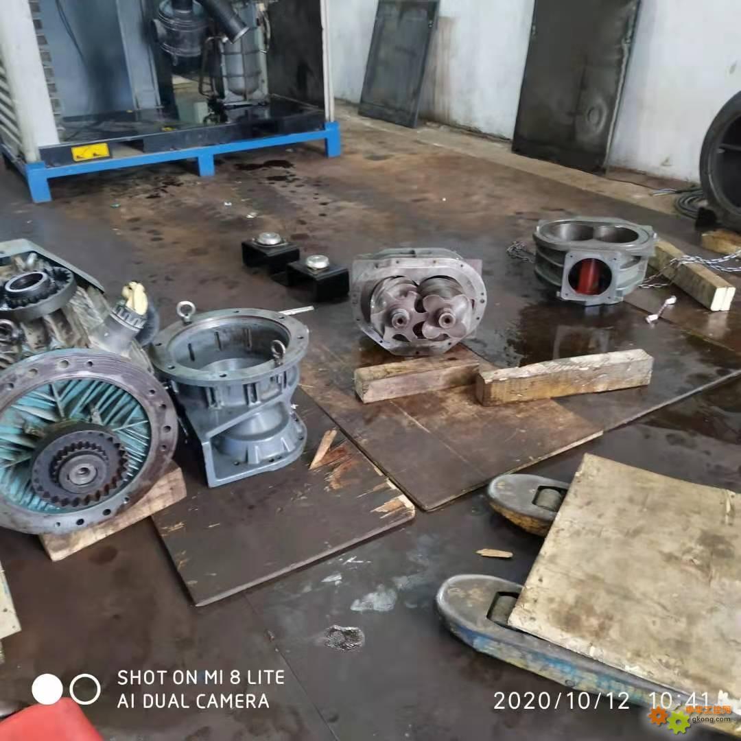 阿特拉斯GA75空压机螺杆的拆卸图片