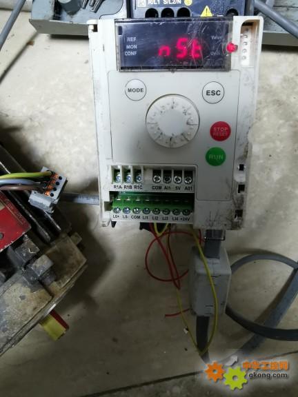 atv12变频器串口调试软件起停控制怎么写?