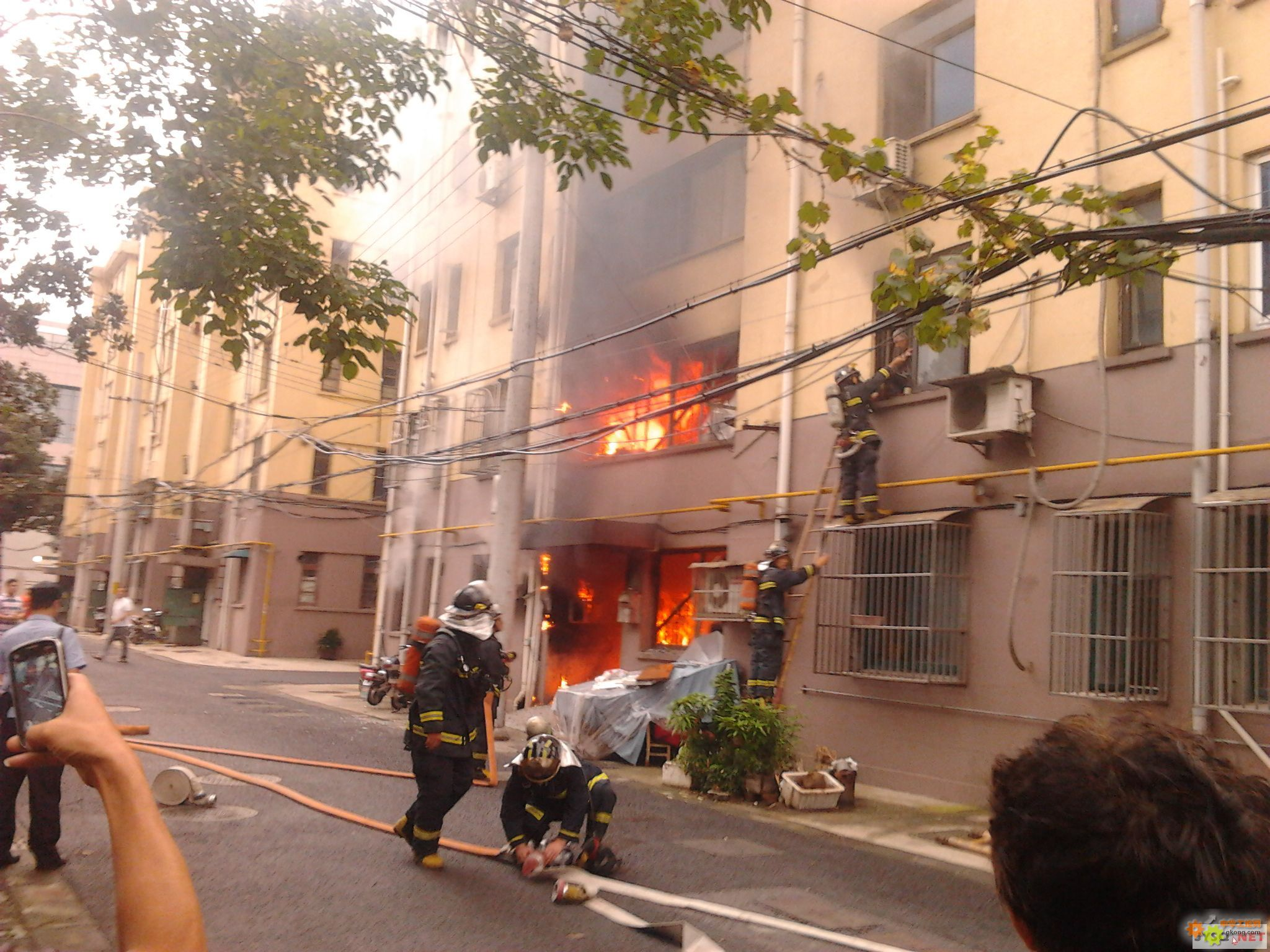 小区房屋着火