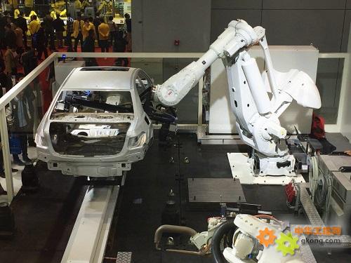 IRB 8700超柔性化白车身解决方案