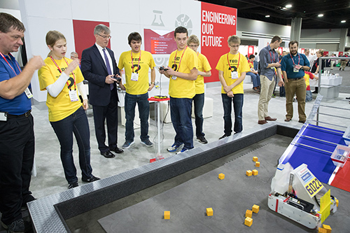 FIRST students and Rockwell Automation CEO
