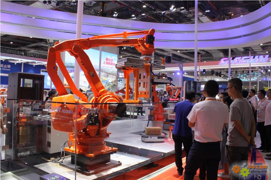 钱江机器人携新品和生产线重装亮相上海工博会2