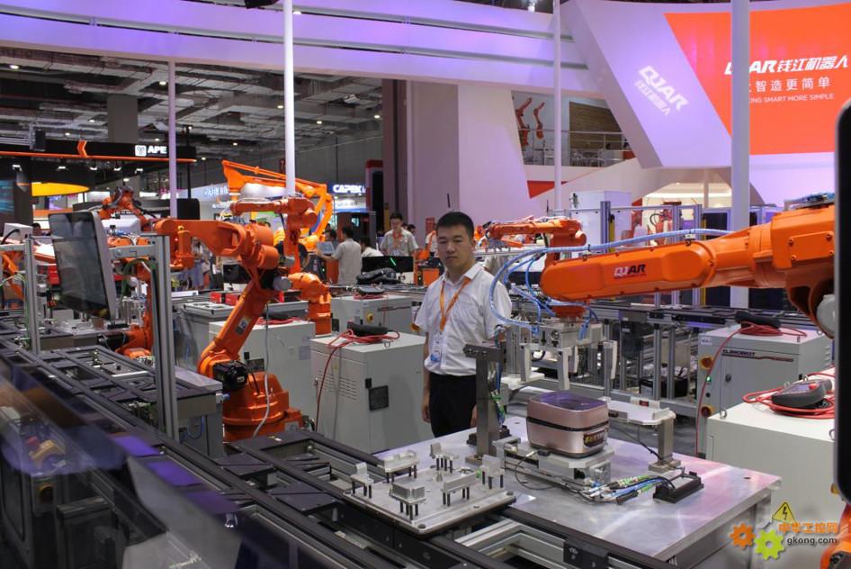 钱江机器人携新品和生产线重装亮相上海工博会3