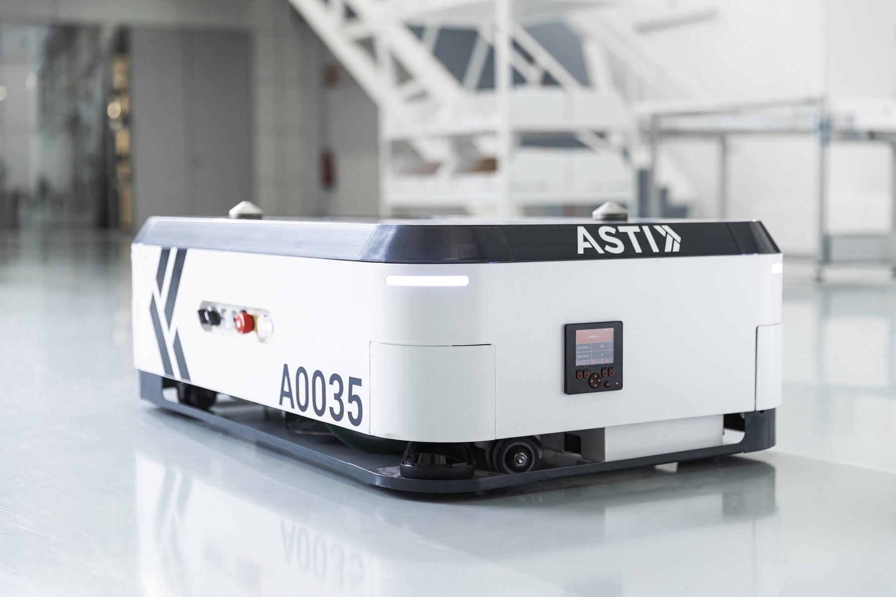 ABB机器人收购ASTI移动机器人_ASTI EBOT 350